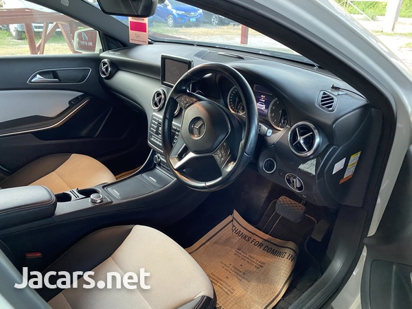 Mercedes-Benz A-Class 1,6L 2014-3