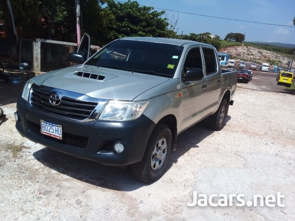Toyota Hilux 2,5L 2015-1