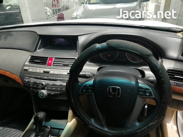 Honda Accord 2,0L 2012-6