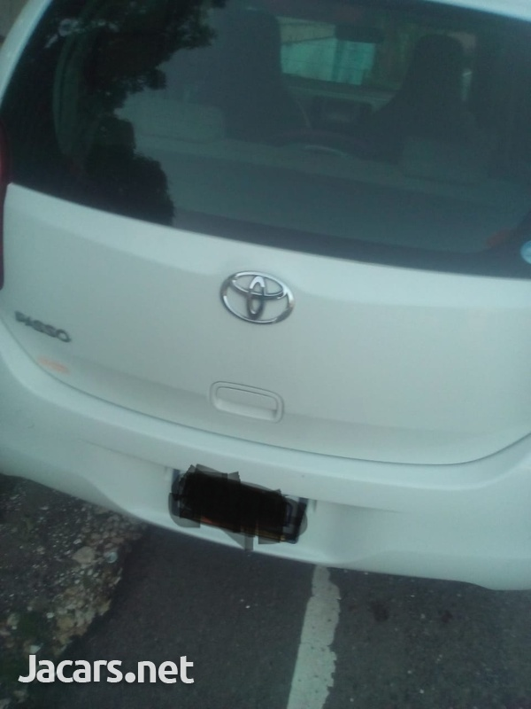 Toyota Passo 3,5L 2011-1
