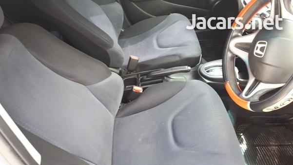 Honda Fit 1,5L 2010-9