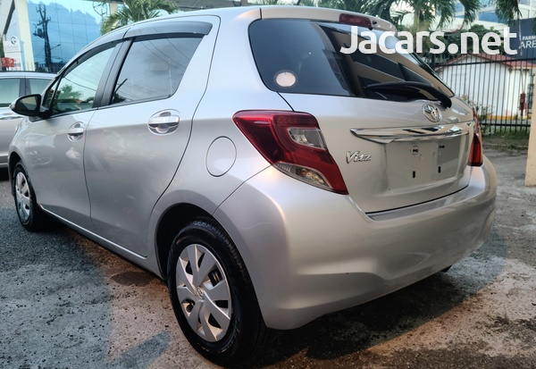 Toyota Vitz 1,3L 2016-6