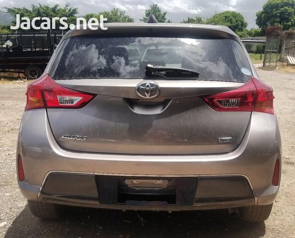 Toyota AURIS 1,8L 2013-3