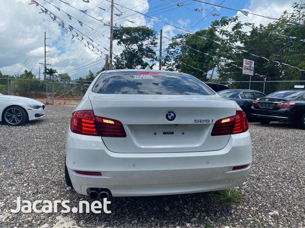 BMW 5-Series 2,5L 2015-6