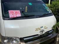 2005 Toyota Hiace Bus