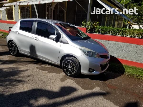 Toyota Vitz 1,3L 2011-1