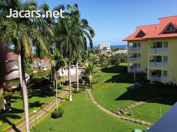 2 Bedroom 2 Bathroom Apartment in Ocho Rios with pool access and 24 hrs security-8