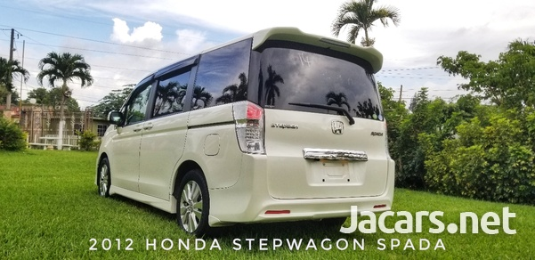Honda Stepwgn Spada 2,0L 2012-7