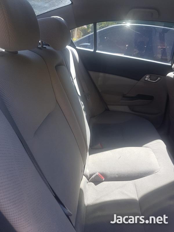 Honda Civic 1,5L 2014-3