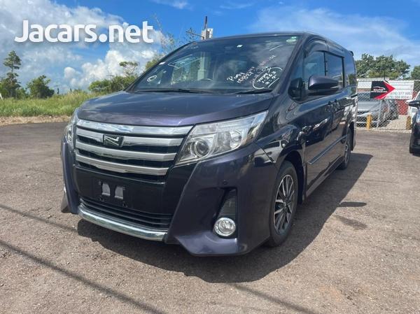 Toyota Noah 2,0L 2017-7
