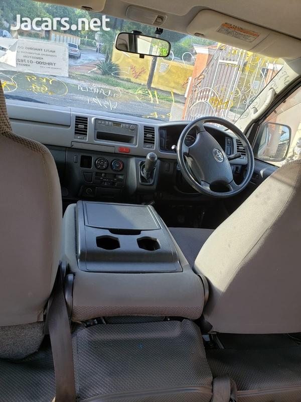 2017 Toyota Hiace fullyloaded-5