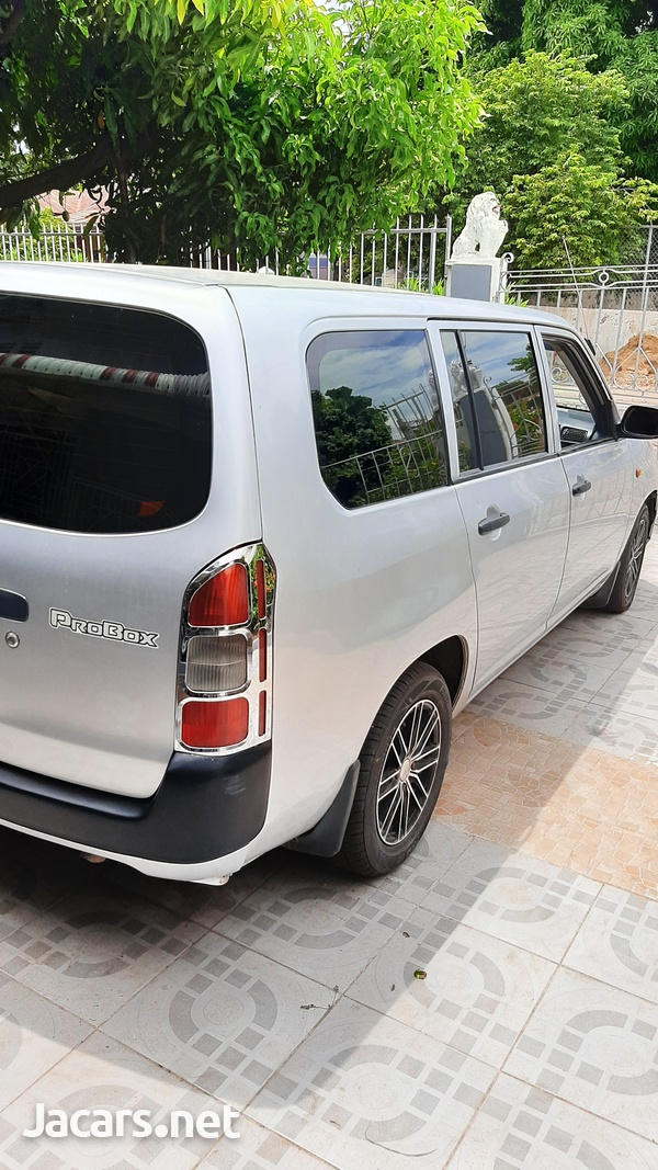 Toyota Probox 1,5L 2014-10