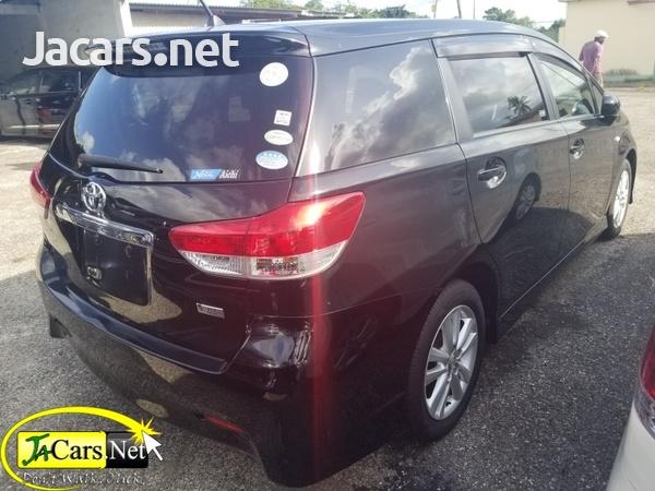 Toyota Wish 2,0L 2010-6