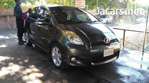 Toyota Vitz 1,5L 2010-1
