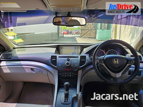 Honda Accord 2,3L 2010-9