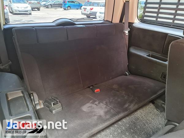 Nissan LaFesta 2,0L 2010-9