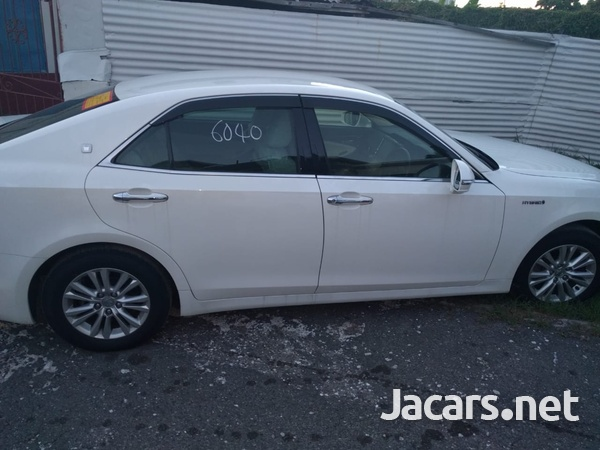 Toyota Crown 2013-2