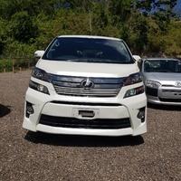 Toyota Vellfire 2,3L 2014