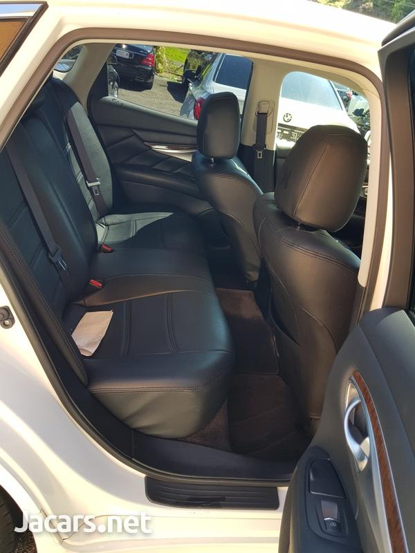 Nissan Fuga 3,5L 2013-7