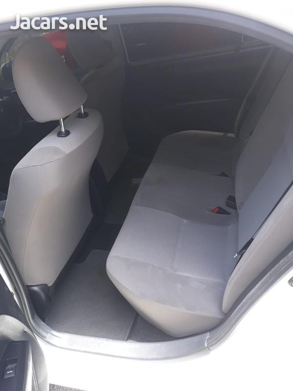 Toyota Axio 1,5L 2016-7