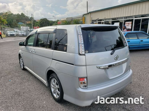 Toyota Isis 1,6L 2011-3