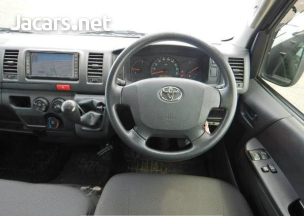 2017 Toyota Hiace-1