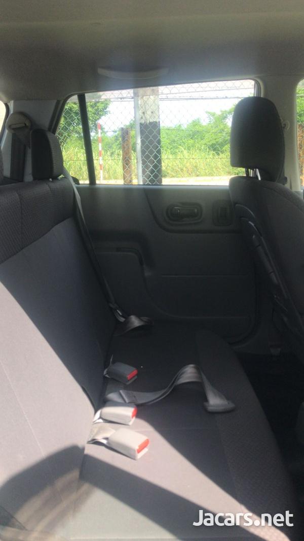 Nissan AD Wagon1,5L 2016-8
