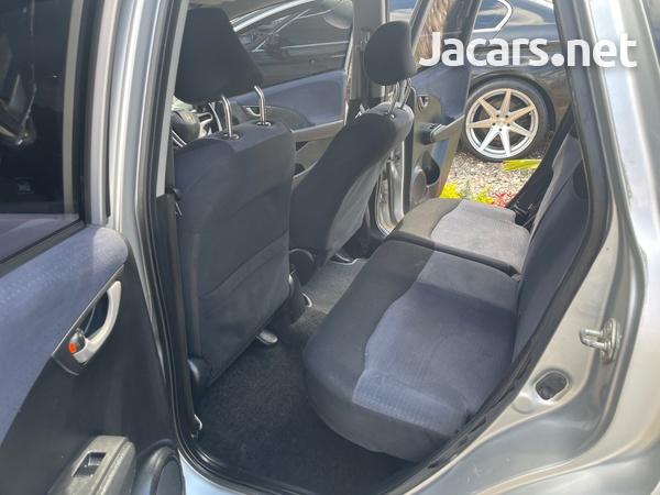 Honda Fit 1,3L 2010-9