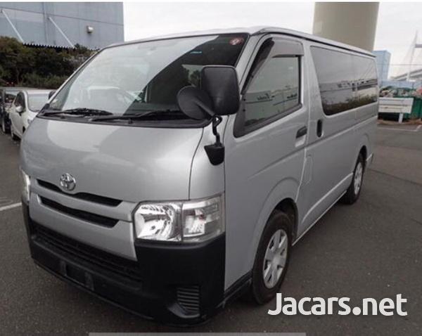 Toyota Hiace 2,5L 2014-1