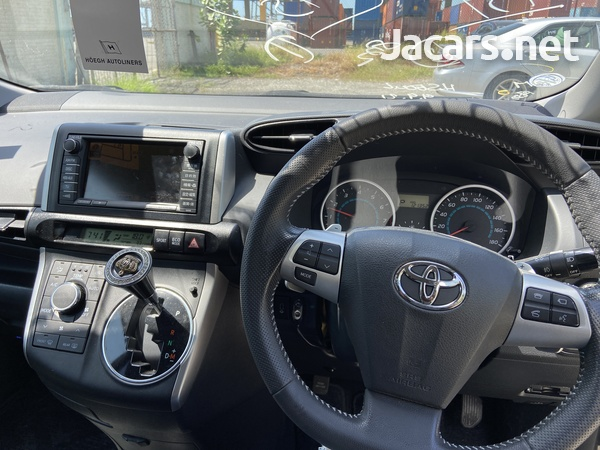 Toyota Wish 1,8L 2012-5