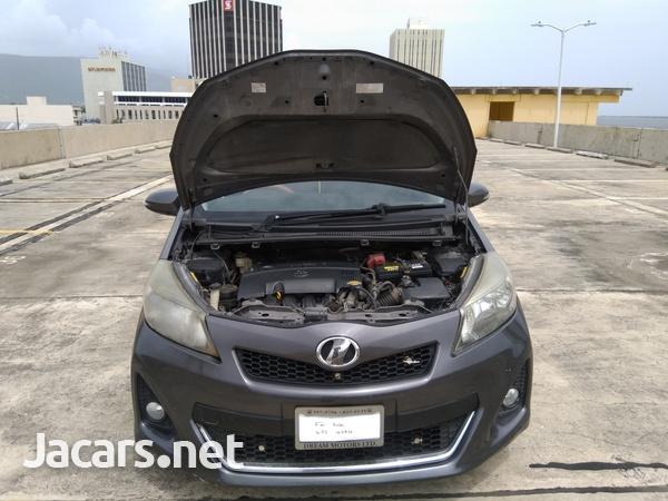 Toyota Vitz 1,5L 2011-3