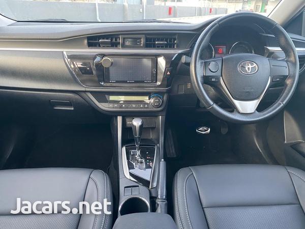 Toyota Corolla Altis 1,6L 2015-7