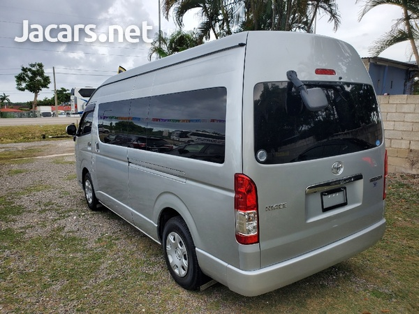 Toyota Hiace 3,0L 2015-6