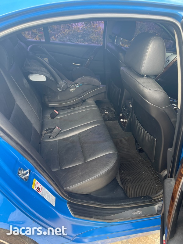 BMW 5-Series 3,0L 2007-5
