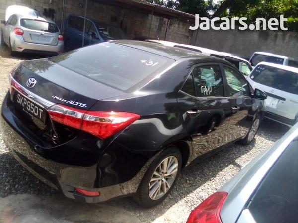 Toyota Corolla Altis 1,8L 2014-5