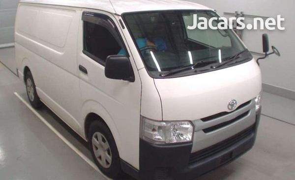 2015 Toyota Hiace van freezer-7