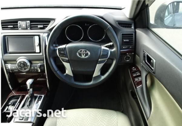 Toyota Mark X 2,0L 2012-4
