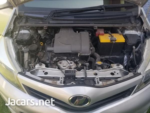Toyota Vitz 1,3L 2012-11