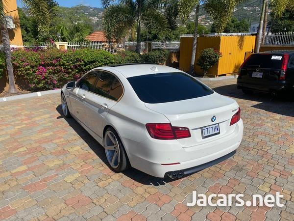 BMW 5-Series 4,4L 2013-4