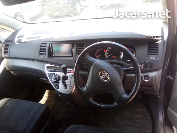 Toyota Isis 2,0L 2010-2
