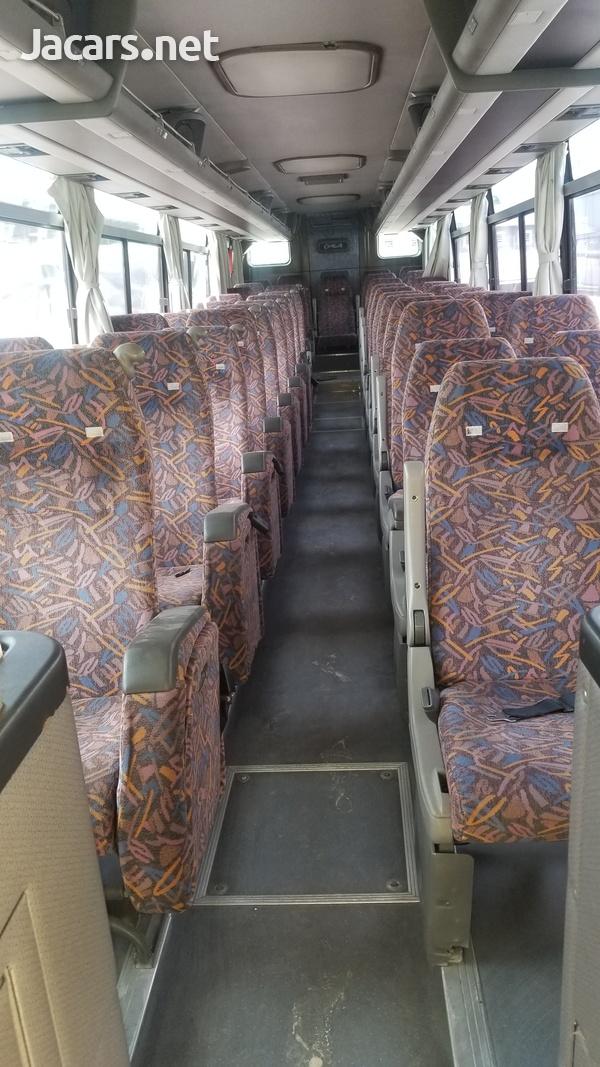 2005 Issu Gala Bus-2