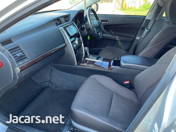 Toyota Mark X 2,5L 2017-7