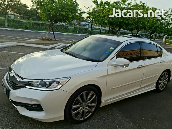 Honda Accord 3,5L 2016-1