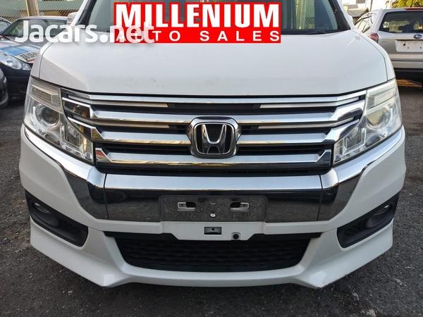 Honda Stepwgn 1,6L 2015-1