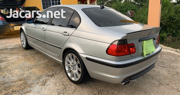BMW 3-Series 3,0L 2002-6