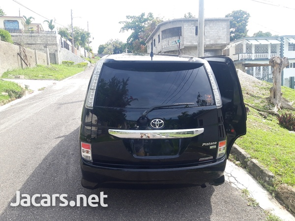 Toyota Isis 1,8L 2011-9