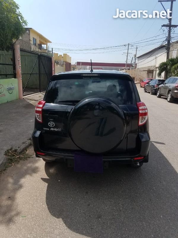 Toyota RAV4 2,0L 2012-7