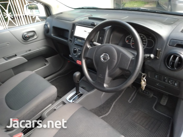 Nissan AD Wagon 1,4L 2014-3