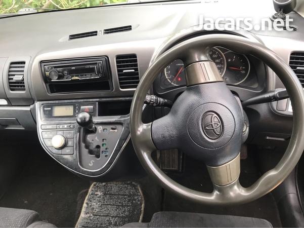 Toyota Wish 1,6L 2007-5