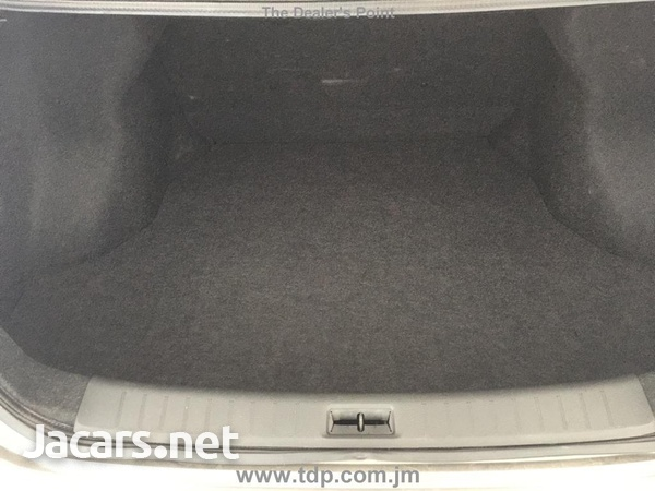 Nissan Sylphy 1,6L 2014-10